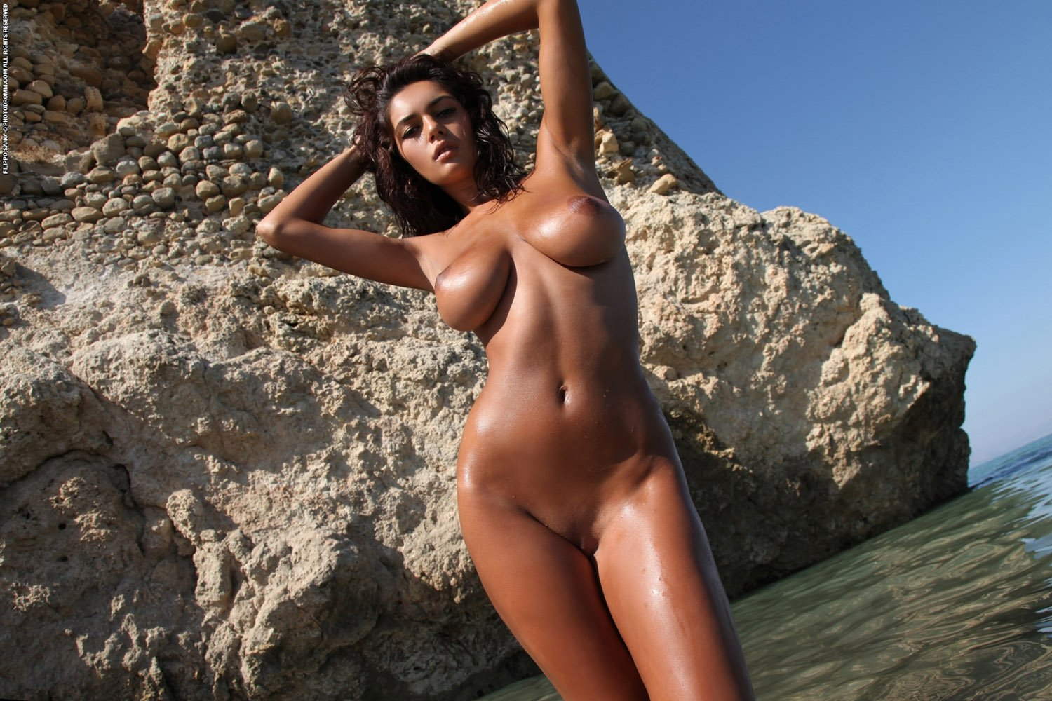 Sexy bronze girls pic