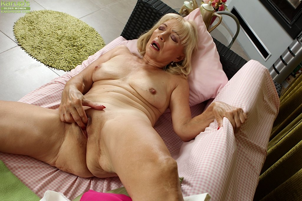 pictures-of-erotic-old-grannies