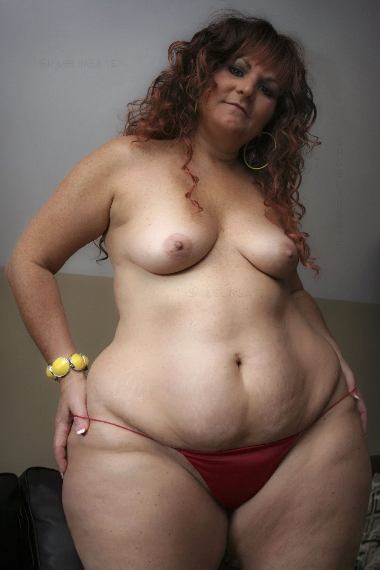 Fat hips of naked women — pic 15