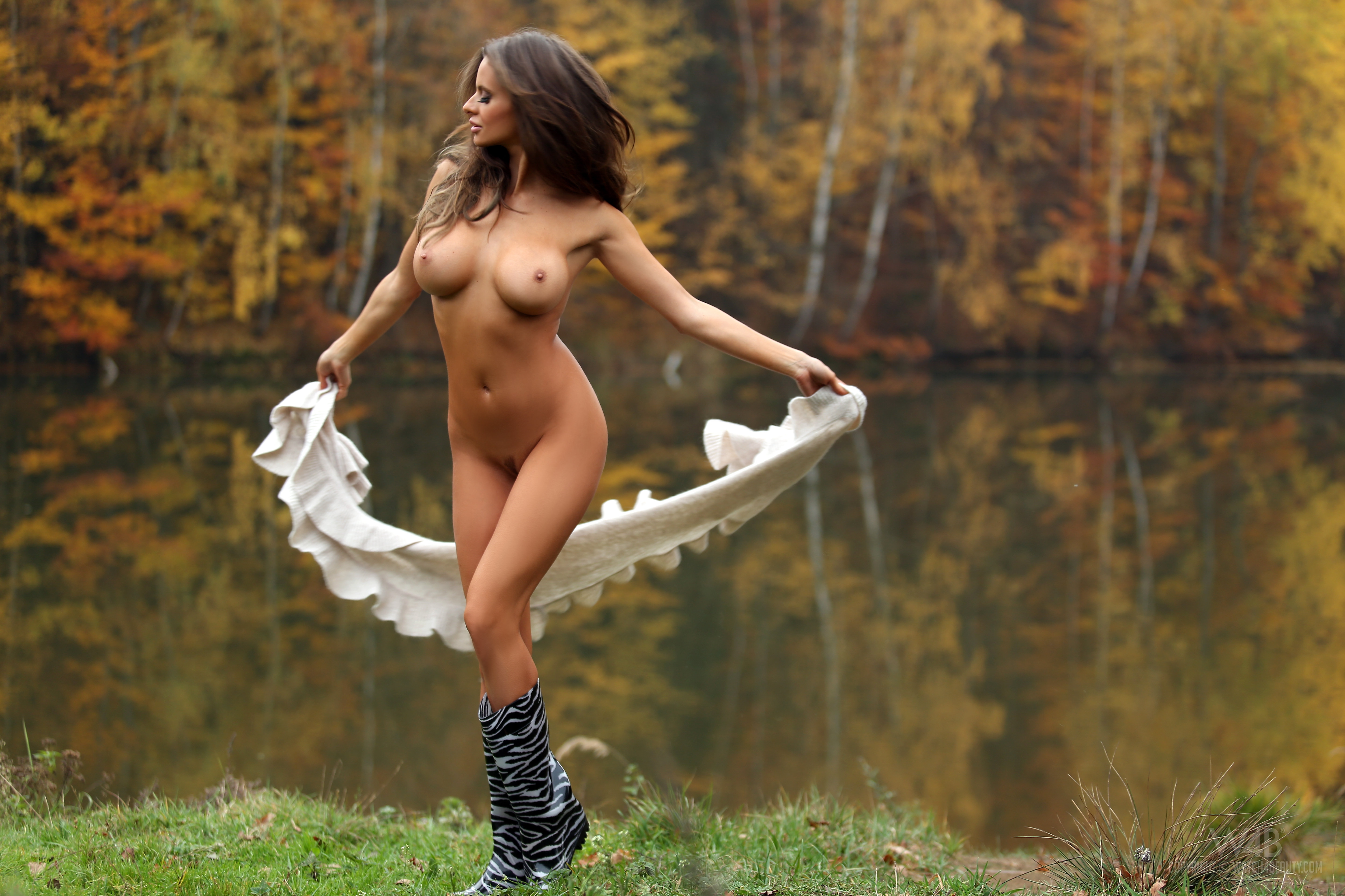 suomi-girl-nude-fun-cum-girl