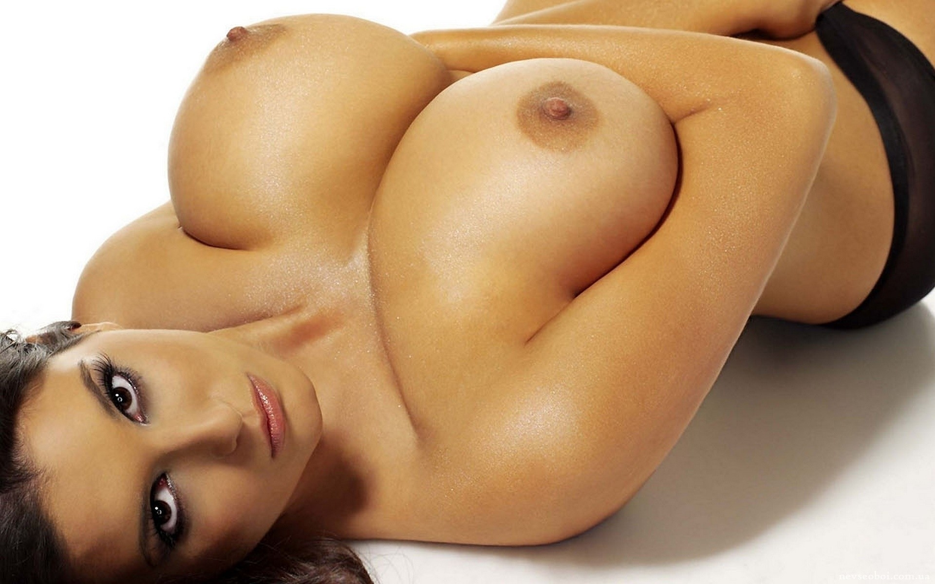 Hot nude woman boobs