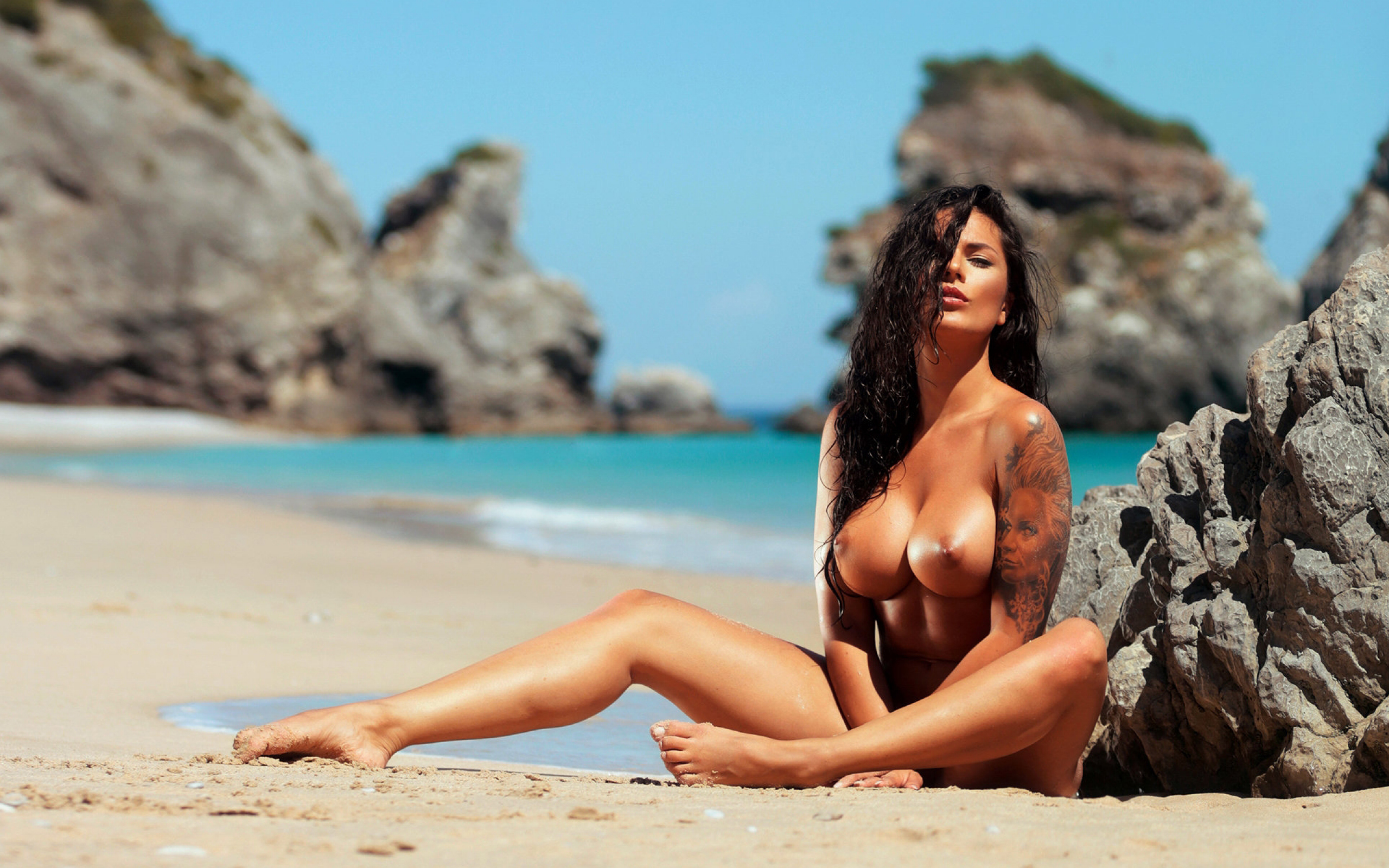 Exotic naked women