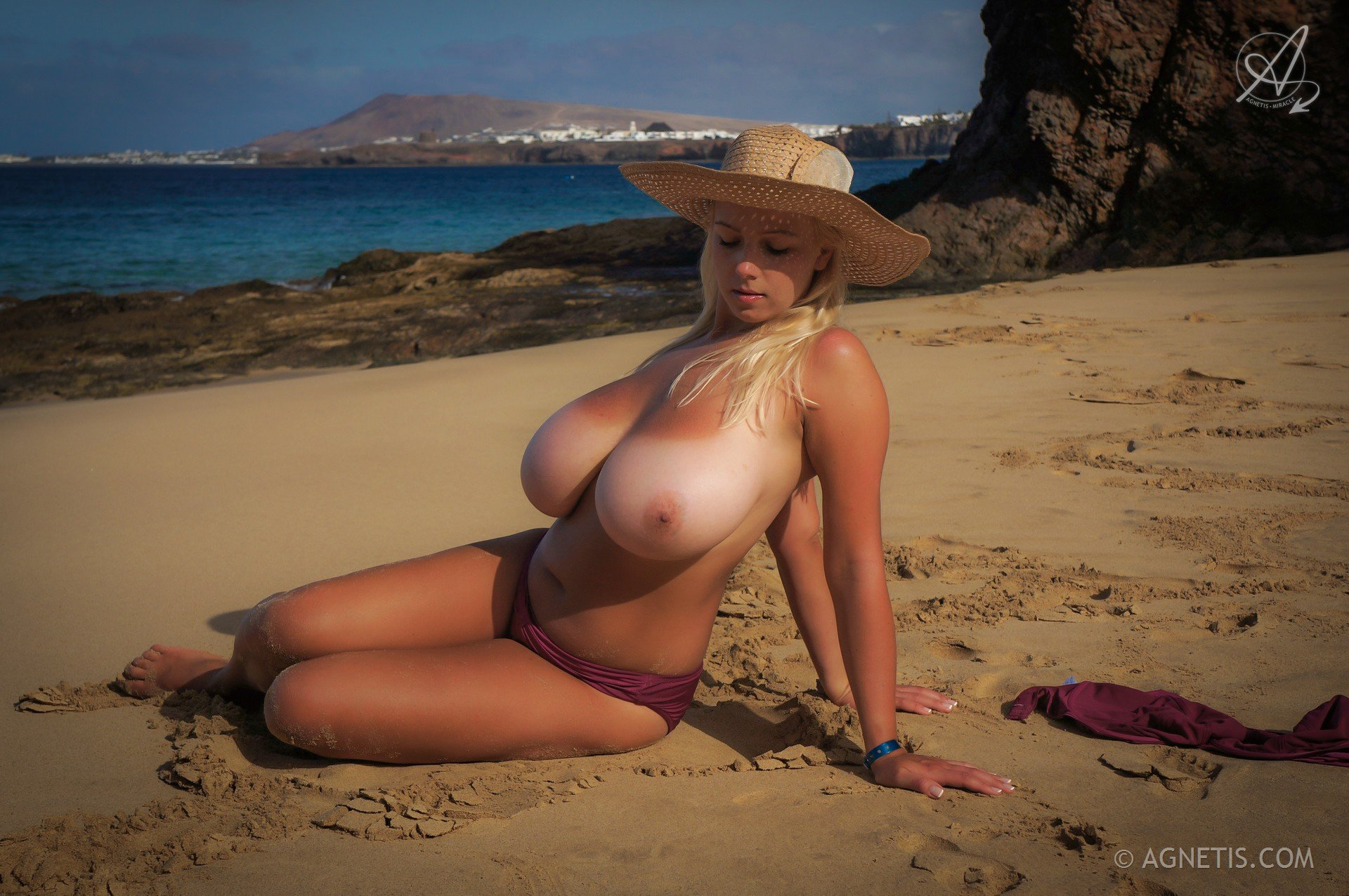 Nude beach big boobs video
