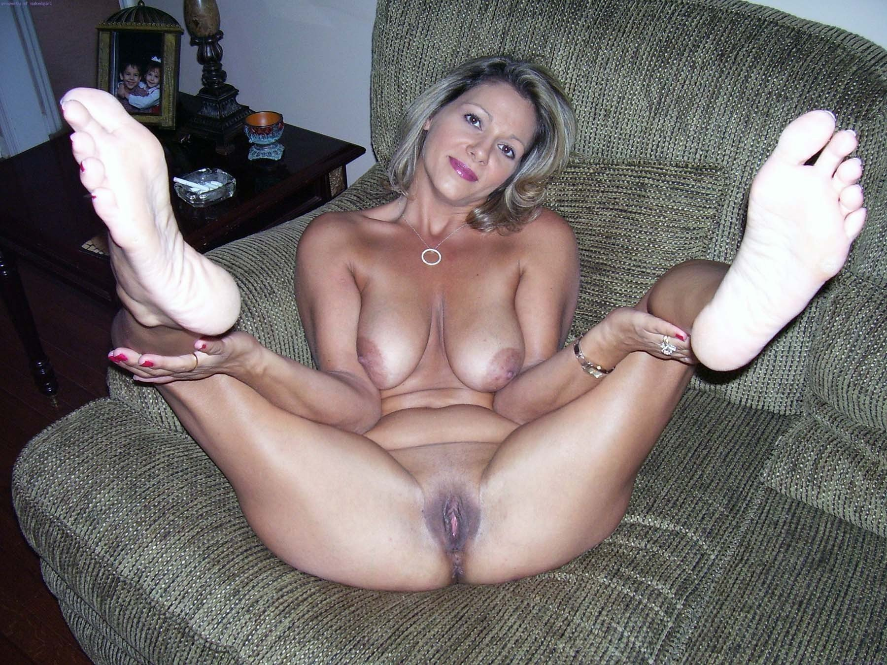 The more i have sex with my wife the more i miss her mom man who's gladly servicing sexy mom