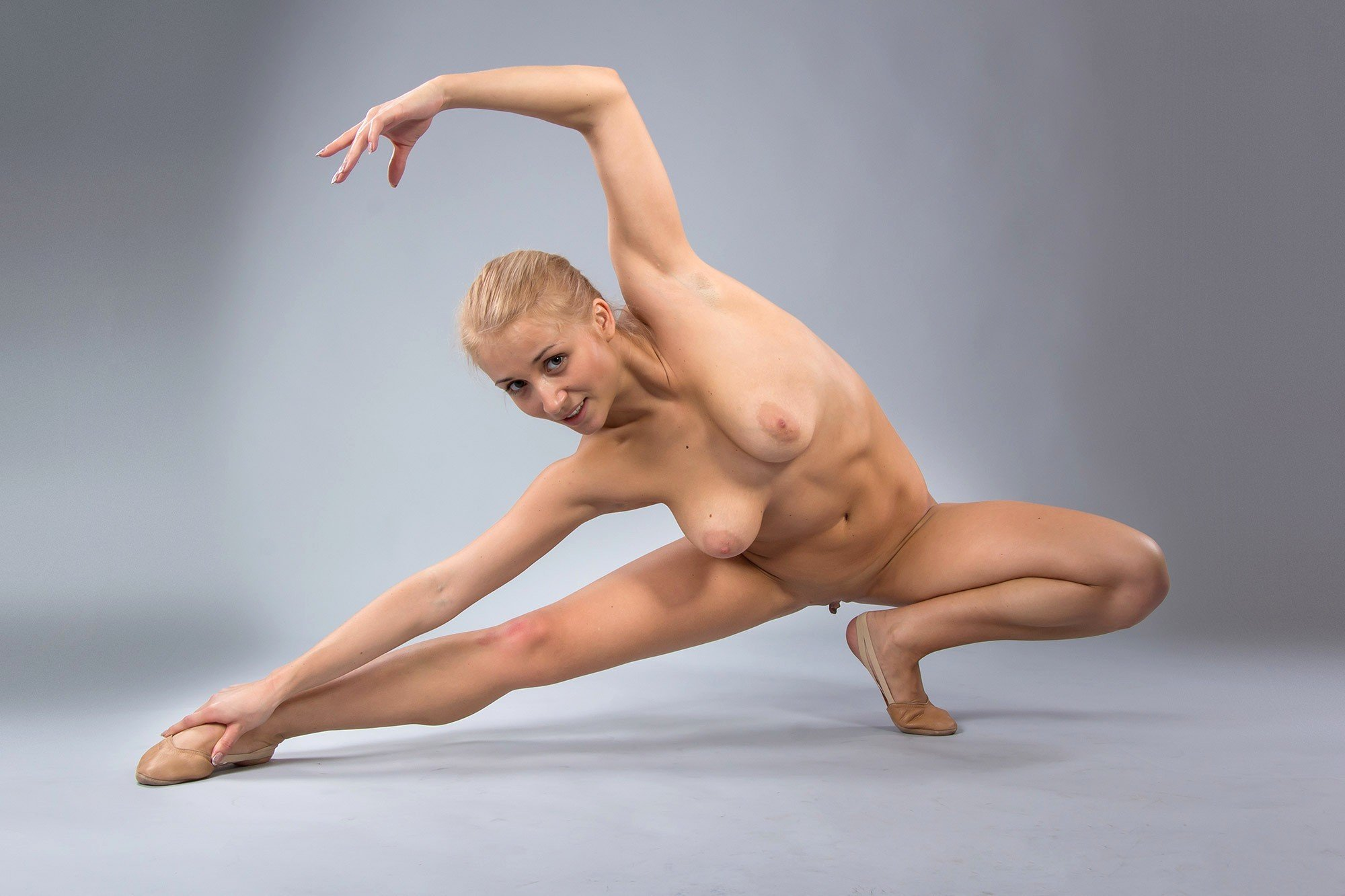 Nude gymnastic babes pictures