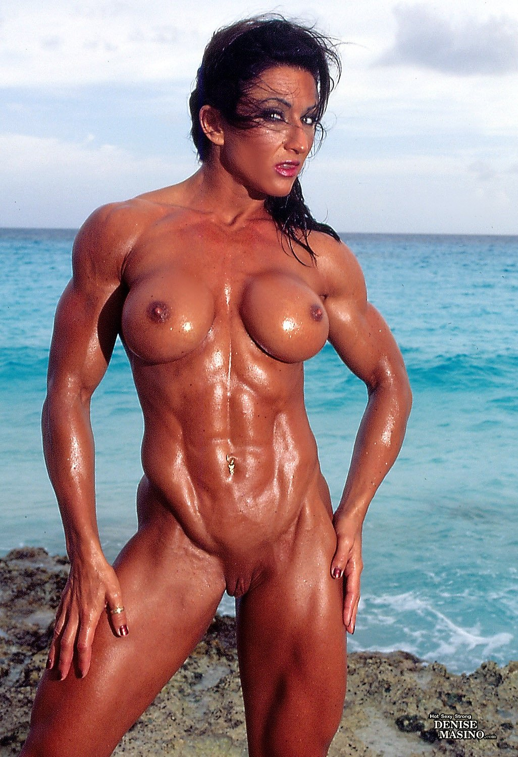 oily-nude-muscle-chicks