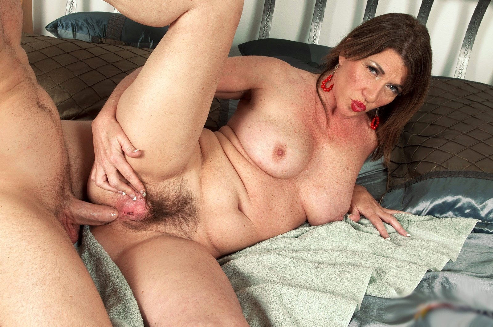 Free videos of old hairy women fucking