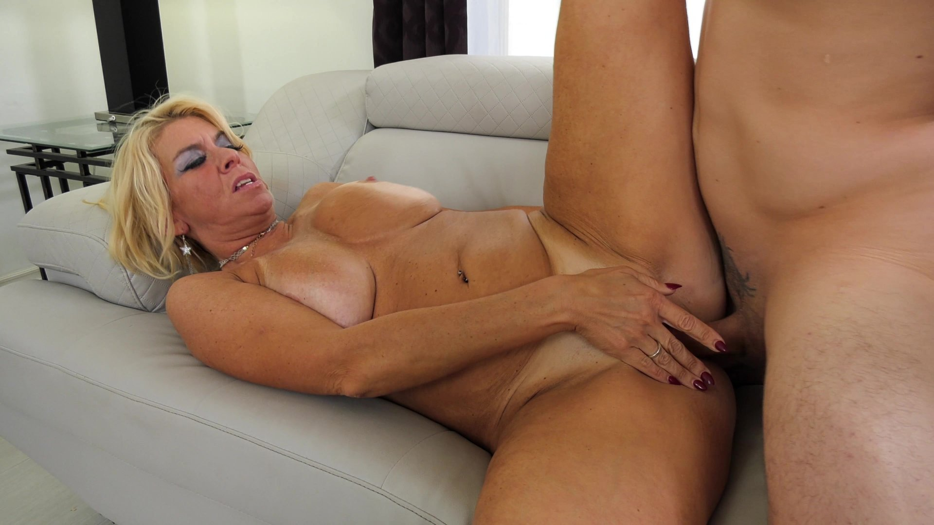 Mature blondes clips