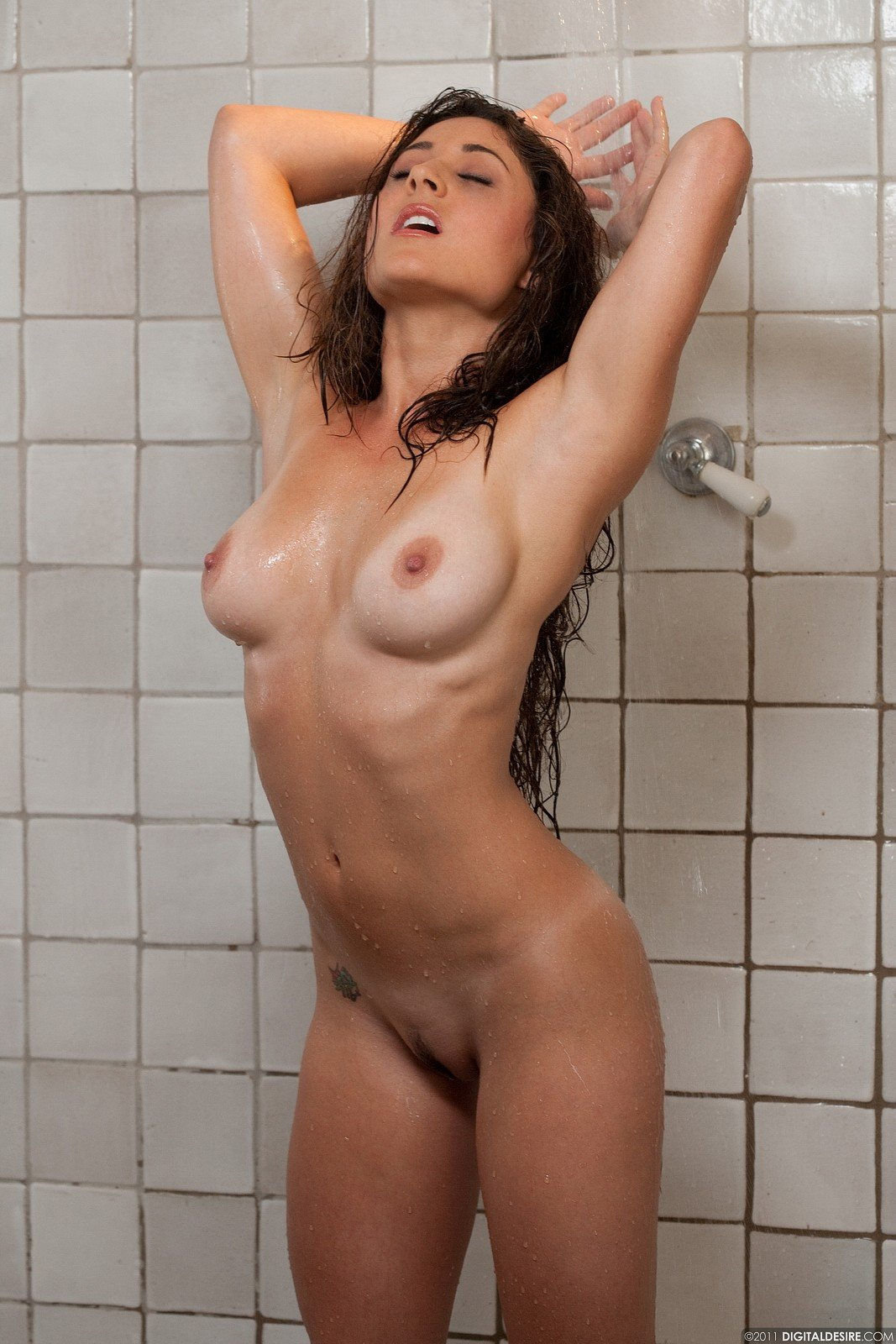Nudes In Shower
