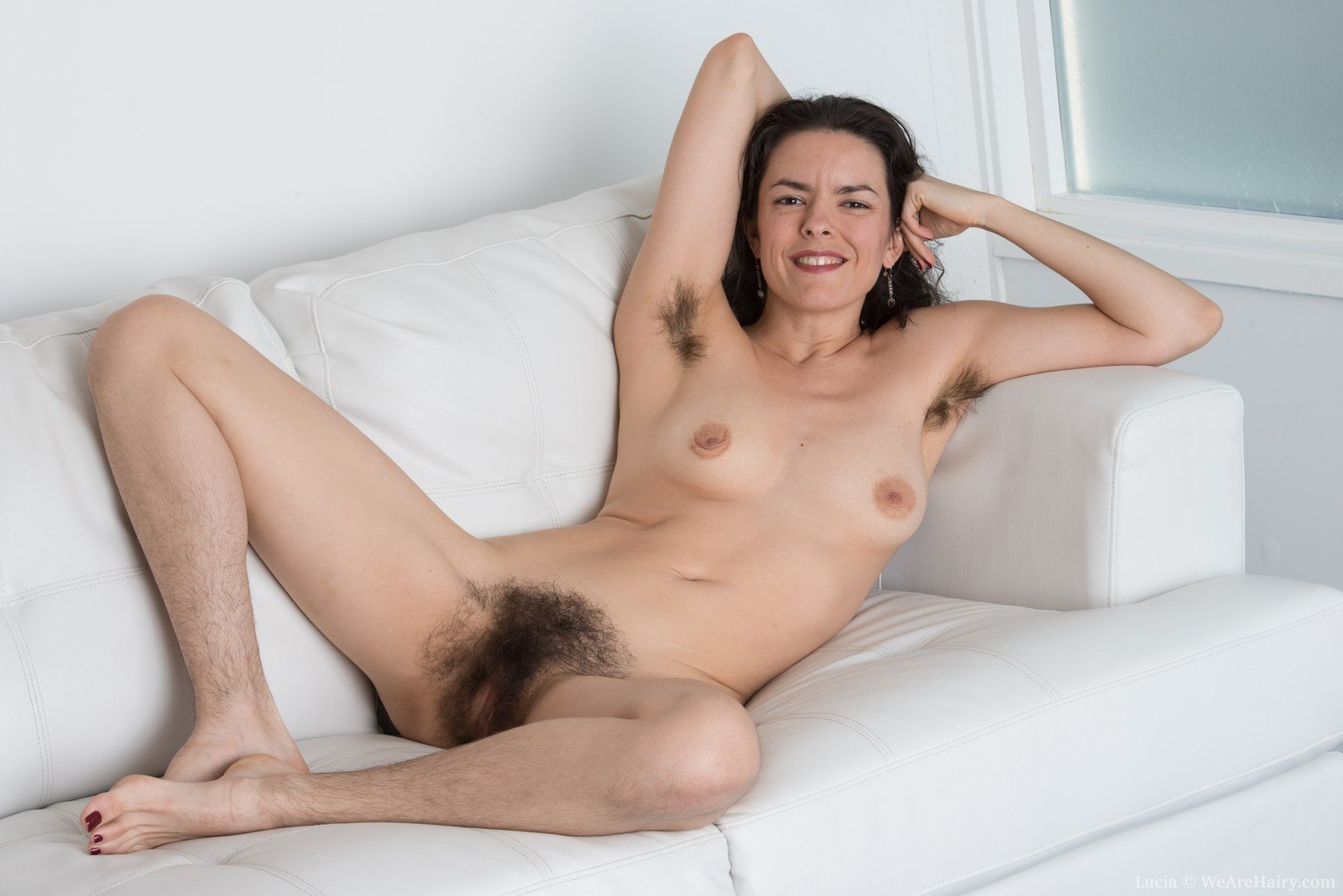 Nude Blonde With Hairy Pussy Climbs A Tree To Show Off